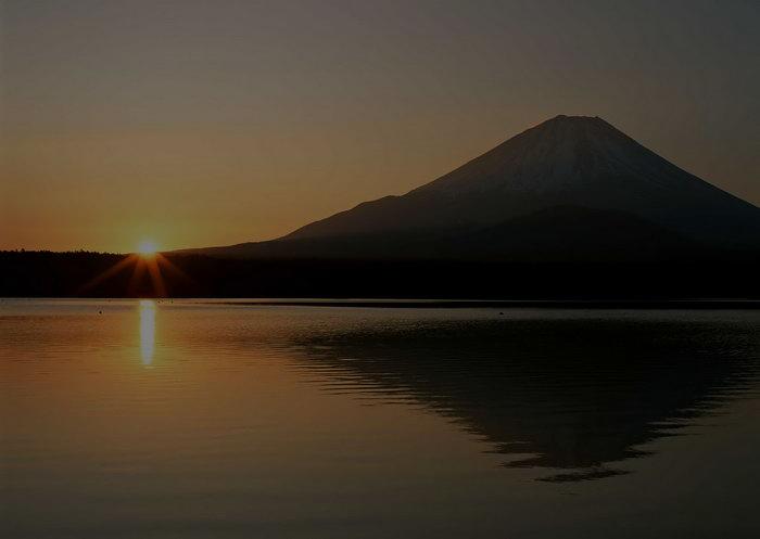 日出山水风景图片