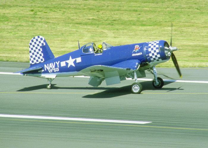 单人战斗飞机图片-素彩图片大全