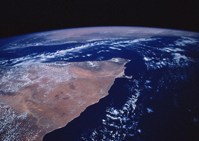 晰地球图片,晰地球,太空风景,宇宙星空,天文,现代科技,2094x2950像素