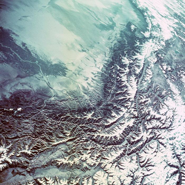 航拍山脉图片,航拍地球山脉,太空风景,宇宙星空,天文,现代科技,2094x2