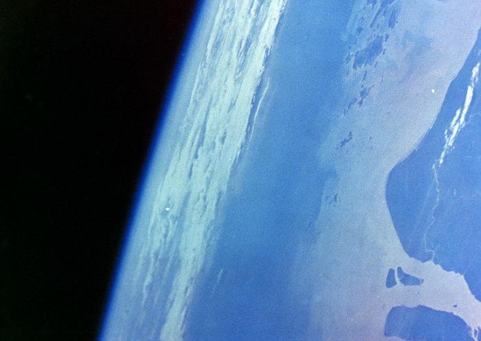 地球图片,地球,太空风景,宇宙星空,天文,现代科技,2094x2950像素