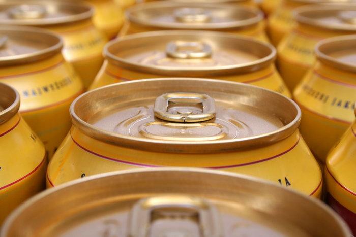 易拉罐啤酒酒水饮料图片