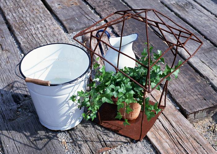 水桶铁篮花盆图片