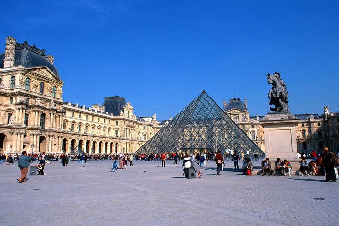 巴黎卢浮宫图片,巴黎卢浮宫,巴黎旅游,巴黎风景,巴黎名胜,城市建筑