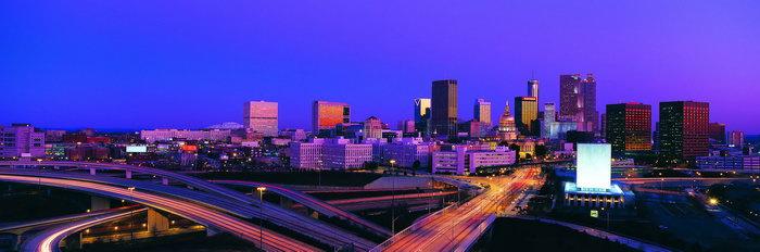 宽幅繁华城市夜景图片图片