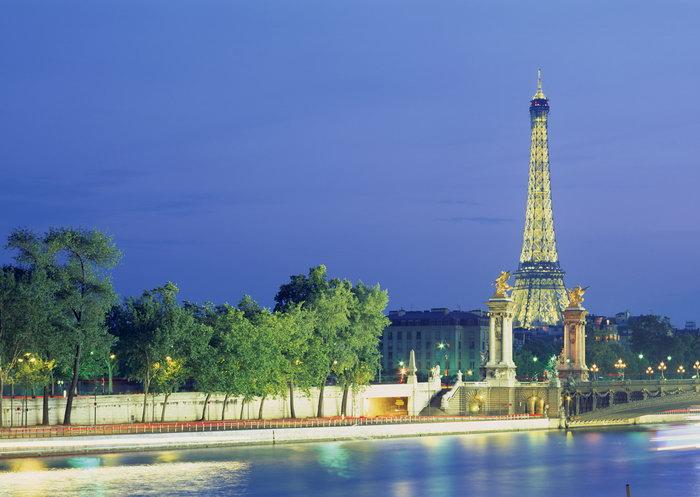 埃菲尔铁塔夜景图片