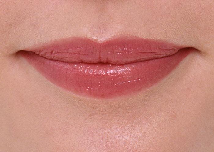 女性嘴唇图片