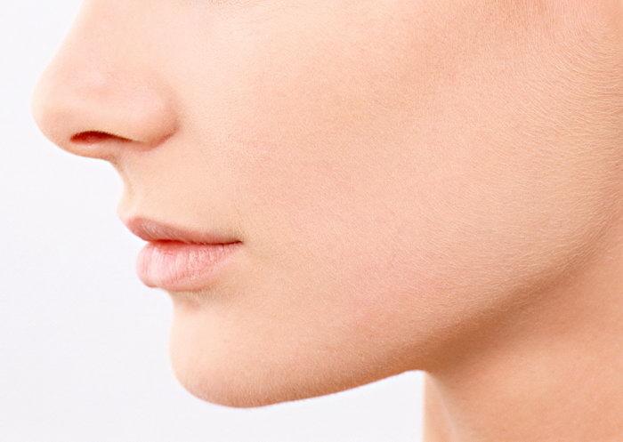 女性嘴唇侧面图片