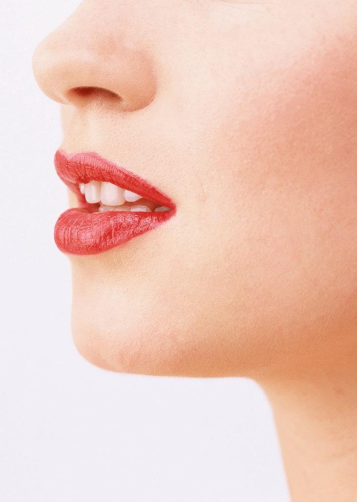 嘴唇侧面图片