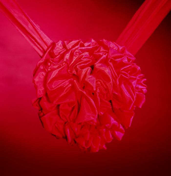 中式结婚红花球图片