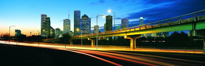 城市公路夜景图片