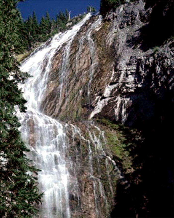 高山瀑布图片,高山瀑布,瀑布摄影风景图,瀑布,风景,1500x1200像素