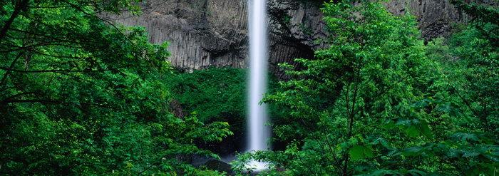 绿色山林高山瀑布图片,绿色山林,高山瀑布风景,宽屏巨幅风光,自然风景