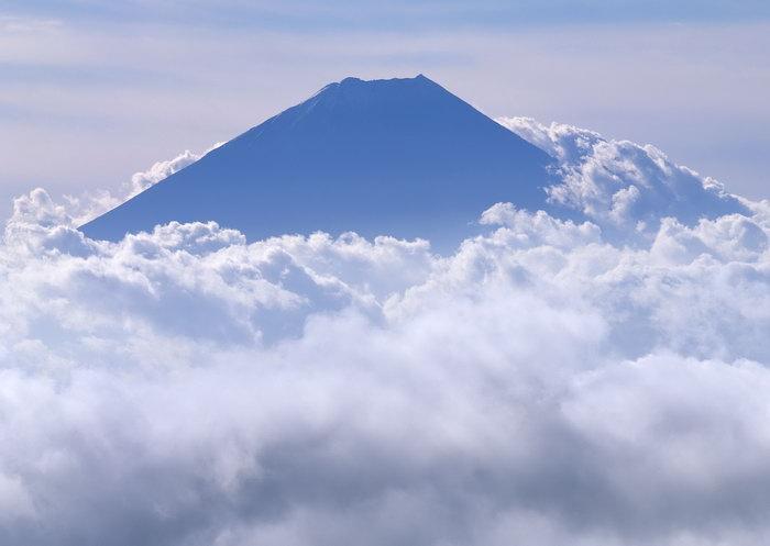 富士山云雾缠绕图片,富士山,云雾缠绕,雪山风景,山水,摄影,风景,2950x