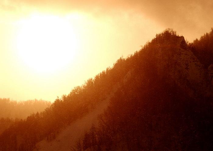 夕阳山景图片,夕阳山景,旅游风景,雪景,四季风景,风景,2094x2950像素