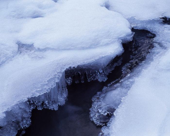 结冰的湖面图片,结冰的湖面,旅游风景,大雪风景,四季风景,风景,2500x