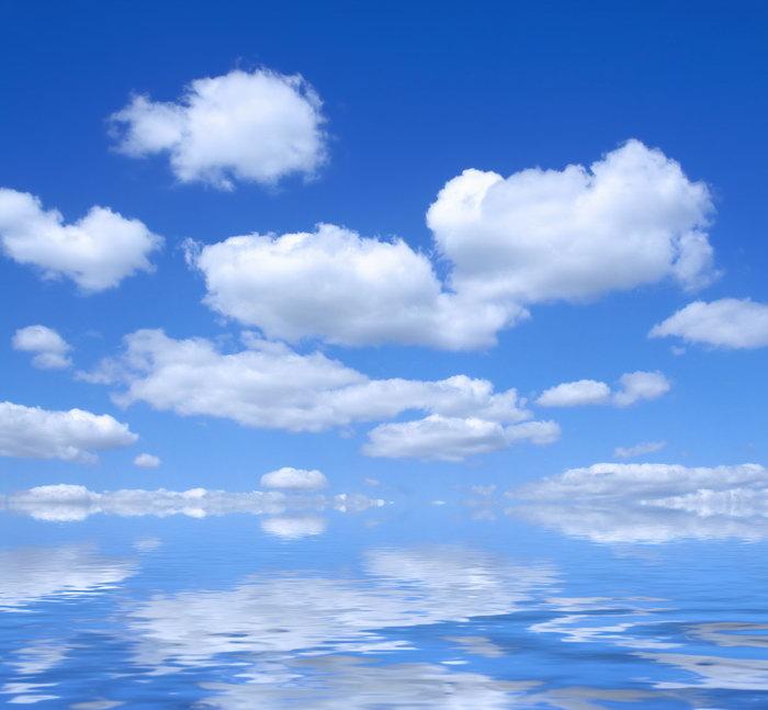 蓝天白云倒影天空美景图片