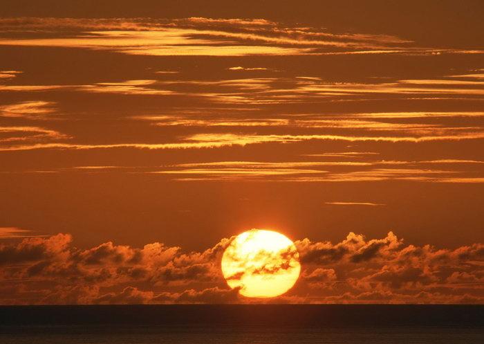 日出东方天空美景图片,日出东方,空美景风景,2950x2094像素