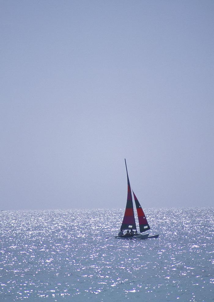 大海帆船旅游风光摄影图片