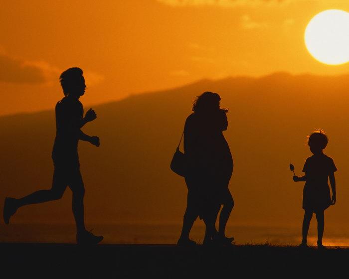 彩落日的风景画教程_夕阳海滩大海风景风光图片-素彩图片大全