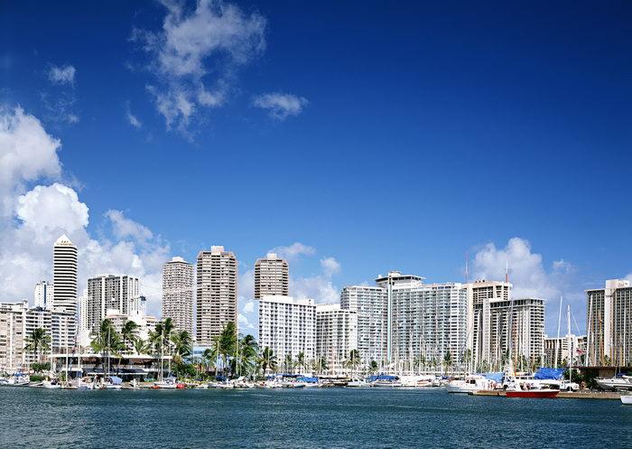 海滩建筑大海风景风光图片
