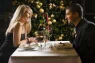 外国情侣烛光晚餐图片