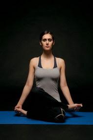 外国女性做瑜伽图片